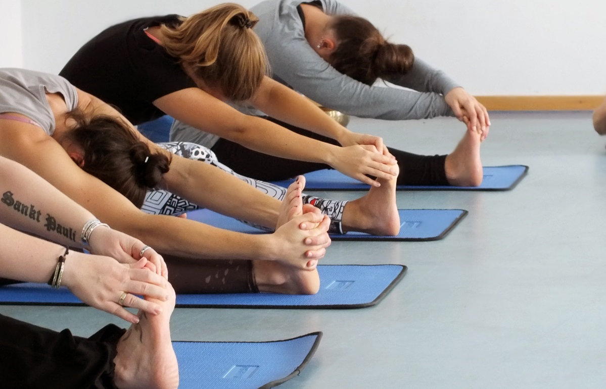 Gegen Muskelverspannungen hilft oft das gezielte Training mit Übungen aus dem Faszienyoga